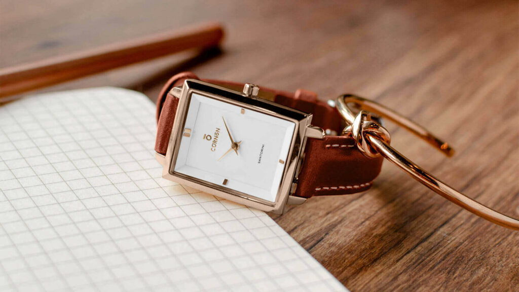 Curnon Santorini Fauna Women's leather strap watch