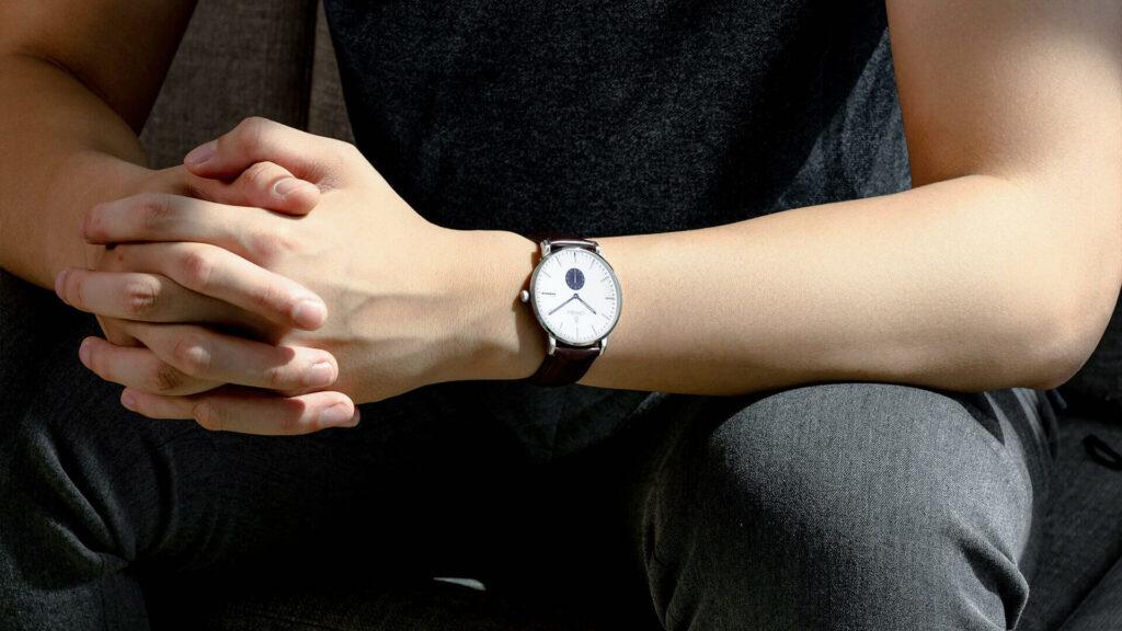 Những mẫu đồng hồ nam đẹp - Phong cách thiết kế casual, tối giản