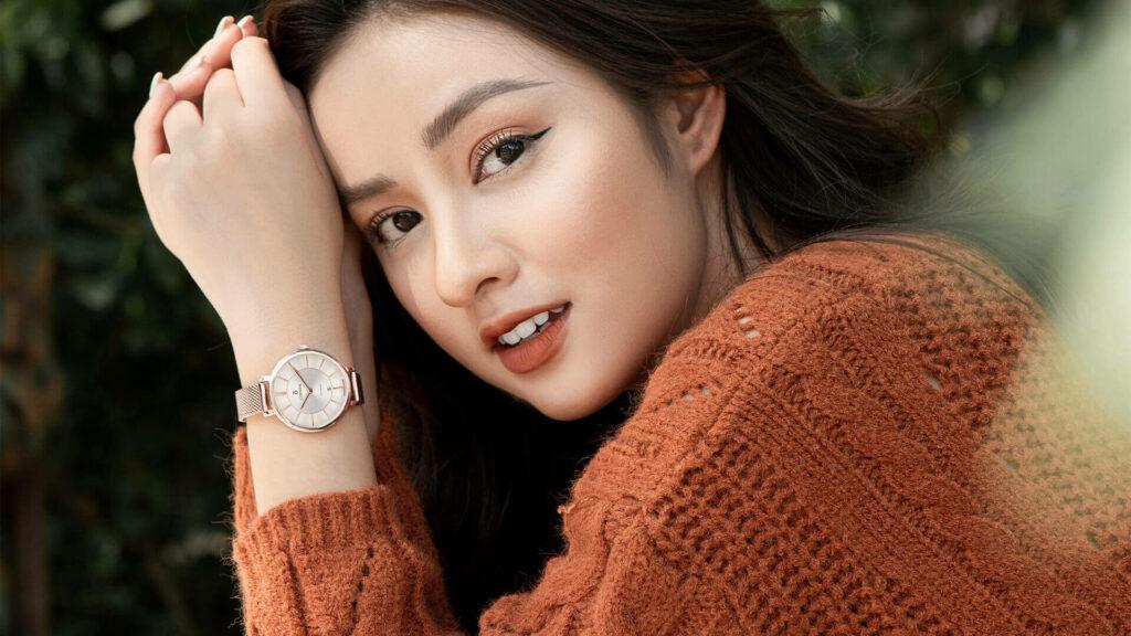 Những mẫu đồng hồ nữ đẹp nhất - Thiết kế có nét pha trộn giữa cổ điển và hiện đại giúp các nàng thêm xinh đẹp và tỏa sáng