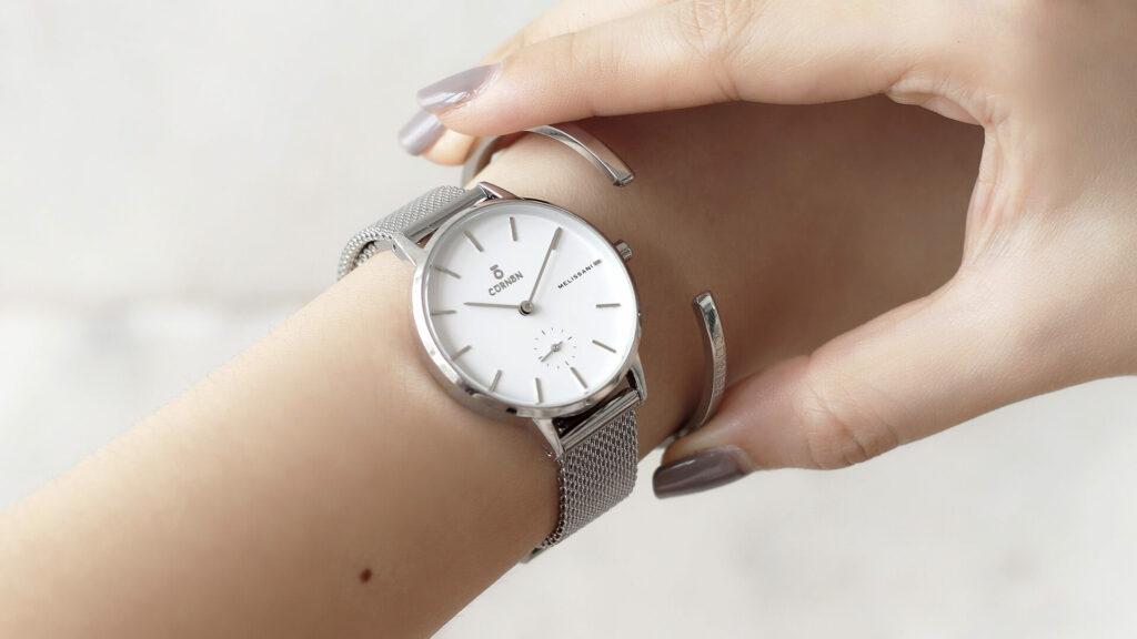 đồng hồ đeo tay phan loại