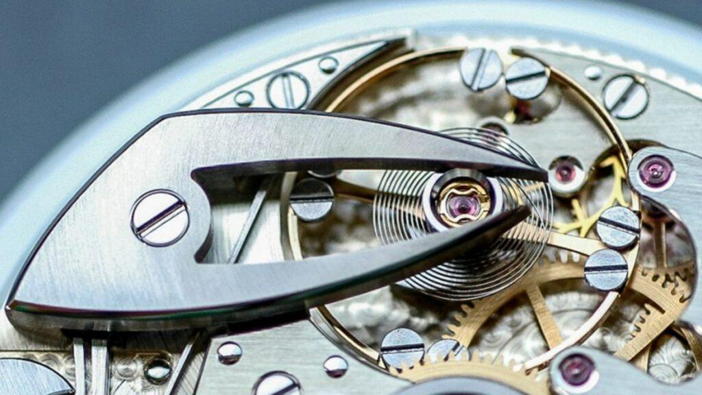 Đồng hồ đeo tay chạy sai lịch