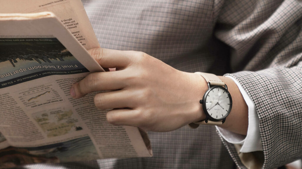 Men's fashion watches with classic style