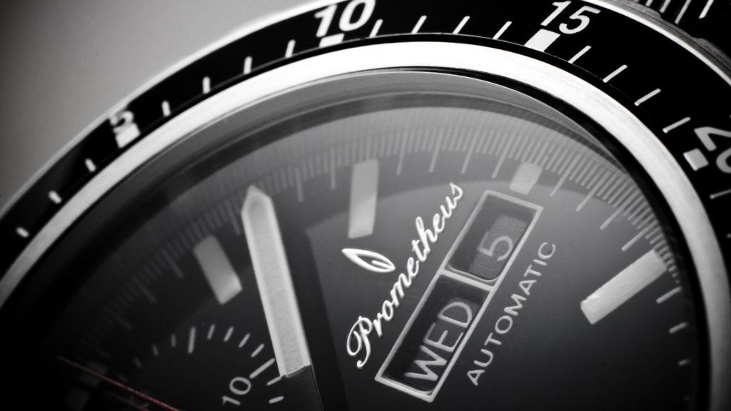 Đồng hồ automatic là gì? Cách nhận biết & lưu ý khi mua