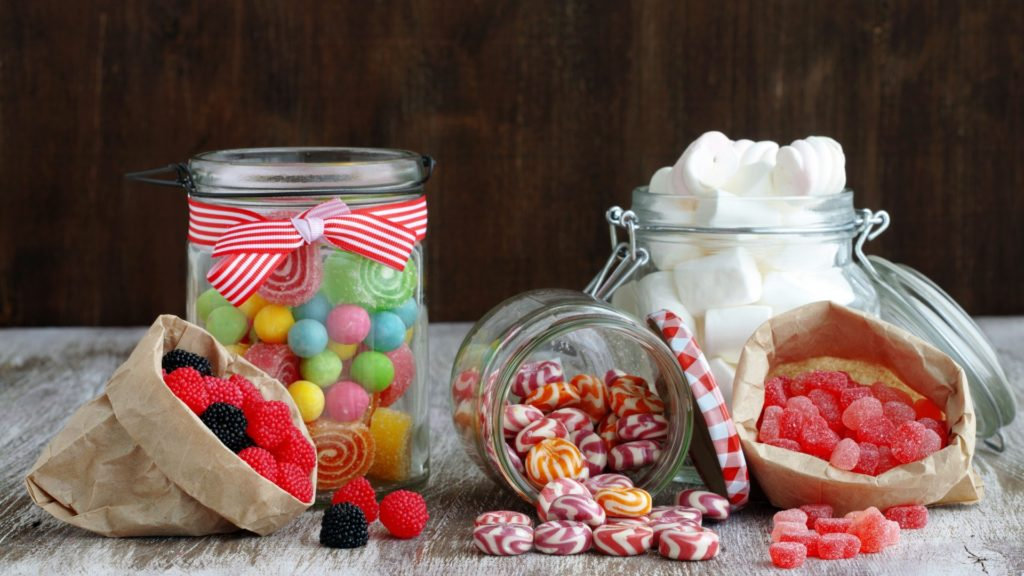 Làm quà sinh nhật tặng bạn thân - hộp kẹo