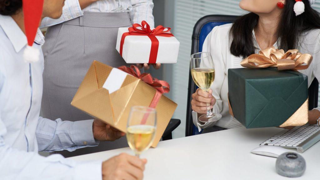 Bí quyết tặng quà cho sếp nữ ý nghĩa bạn nên biết